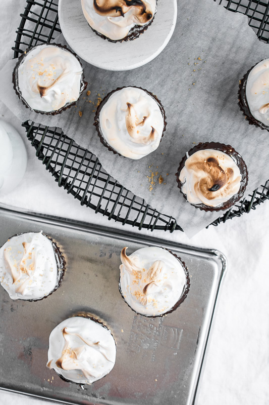 Platters of mini s'mores cheesecakes